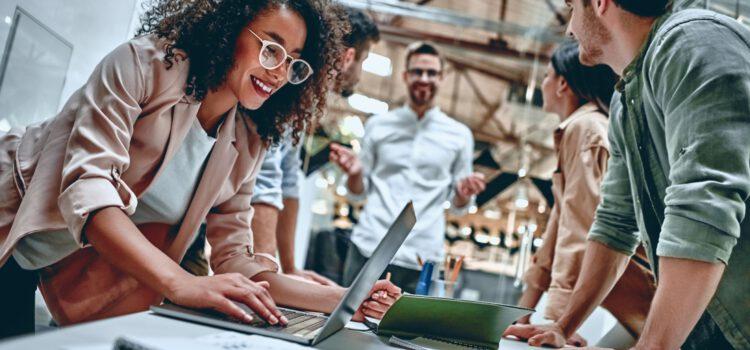 Erfahrungsaustausch zwischen Unternehmen